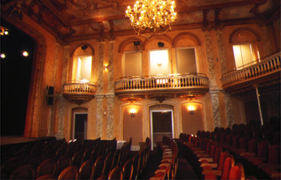 d-ornano_rehabilitation_decoration_theatre-de-mayenne