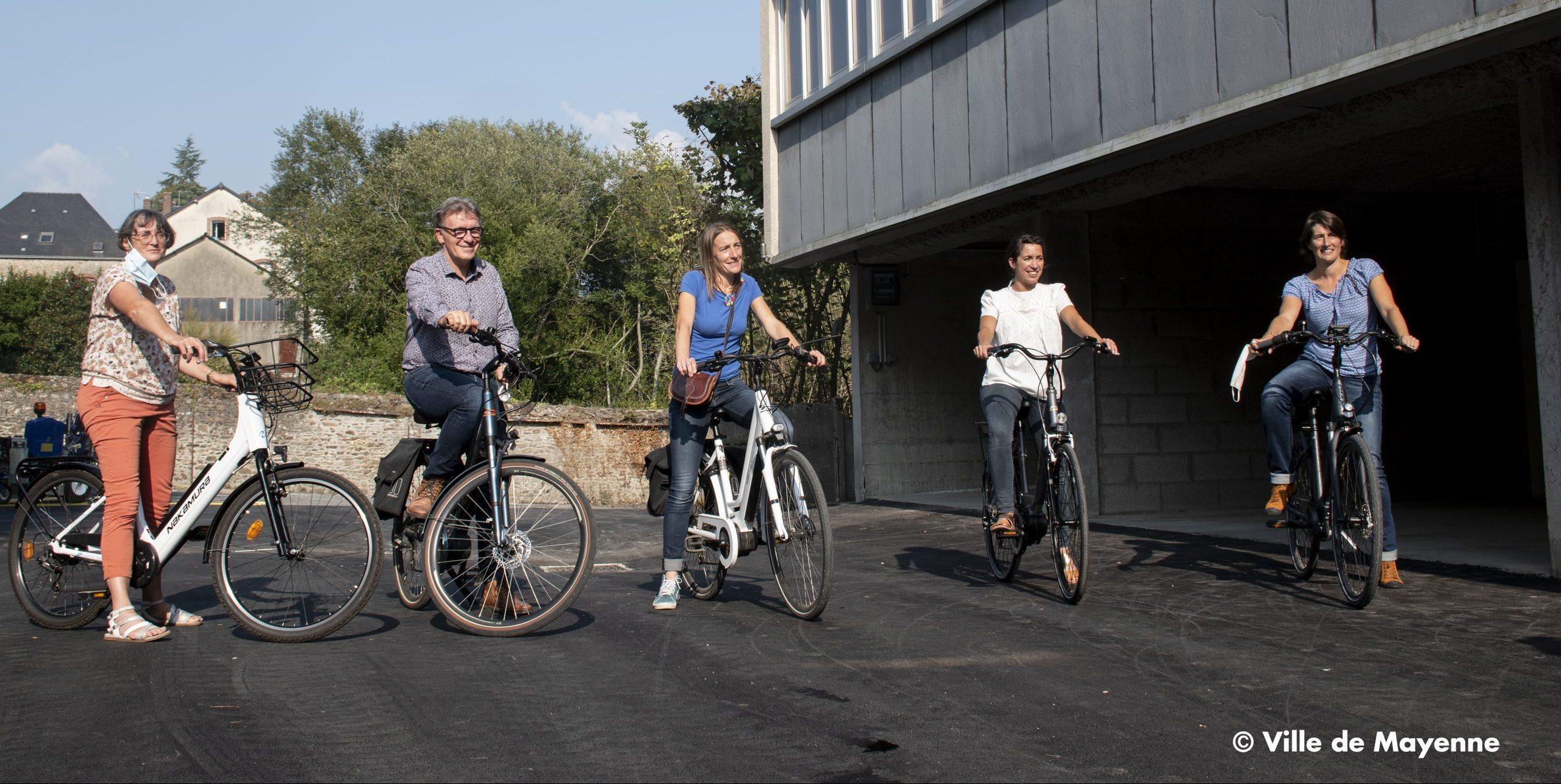 Élu(e)s et agents ont testé des vélos électrique à l'occasion de la Semaine de la mobilité 2020.